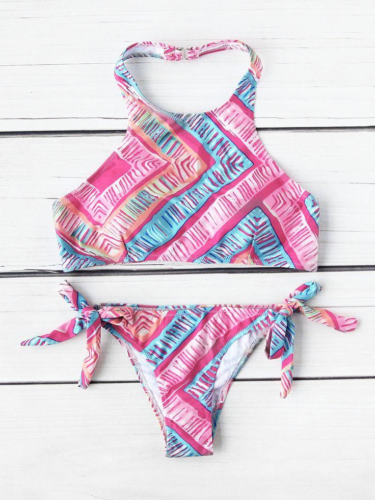 ¡Cómpralo ya!. Graphic Print Halter Bikini Set. Pink Multicolor Bikinis Vacation Bandeau Polyester YES Print Swimwear. , bikini, bikini, biquini, conjuntosdebikinis, twopiece, bikini, bikini, bikini, bikini, bikinis. Bikini de mujer de SheIn.