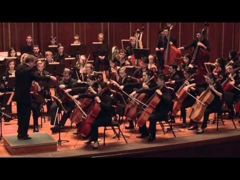 Orquestra Filarmônica de Viena, regida por Herbert Von Karajan, executa a Sinfonia Nº 4 OP 36 de Tchaikovsky