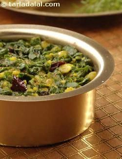 Rich in taste and nutrition, this Palak Toovar Dal is a healthful dish you can prepare frequently without any hassle, as it uses simple cooking methods and common ingredients. You just need to remember to soak the toovar dal earlier. The smart twist in this dal recipe is the addition of lemon juice, which lends a helping hand in absorbing the iron better.