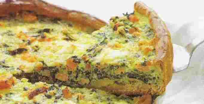 Hartige taart met spinazie