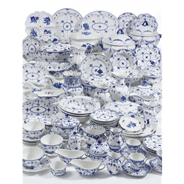 AN ASSEMBLED ROYAL COPENHAGEN 'BLUE FLUTED' PATTERN PART DINNER SERVICE MODERN - Sotheby's