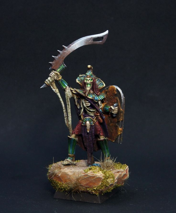 Tomb King | Khemri Tomb Kings #warhammer #whfb #wh #aos #ageofsigmar #sigmar #gw #gamesworkshop #wellofeternity #miniatures #wargaming #wargames #fantasy #hobby #undead #skeletons #khemri