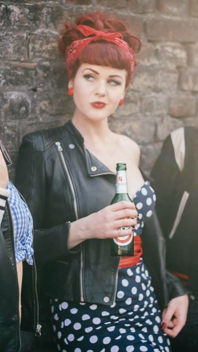 Ideas & Accessories for your DIY 50s Pin Up Rockabilly Halloween Costume Idea