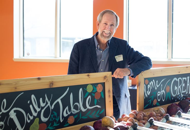 This Grocery Store Veteran Will Change the Way You Think About Expired Food #greatread #health
