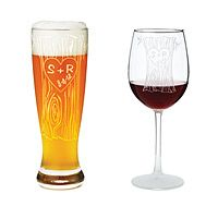 Groom's Gifts - Initials carved in a tree truck commemorate wedding date or the date of a first date on this personalized glassware.