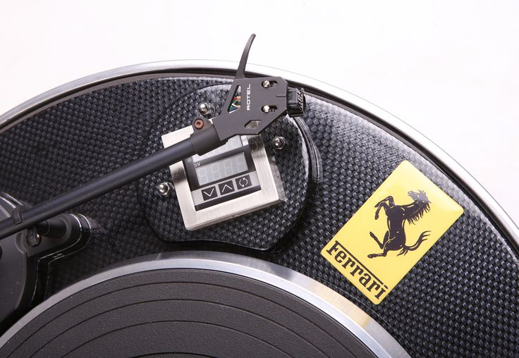 Custom Turntable with a Carbon Fibre finish by PAZ.