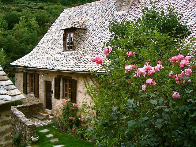 Pingl par snowmoon sur cottage shabby chic for Jardin style cottage anglais