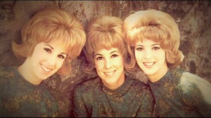 """THE PARIS SISTERS - """"I LOVE HOW YOU LOVE ME""""  (1961)"""