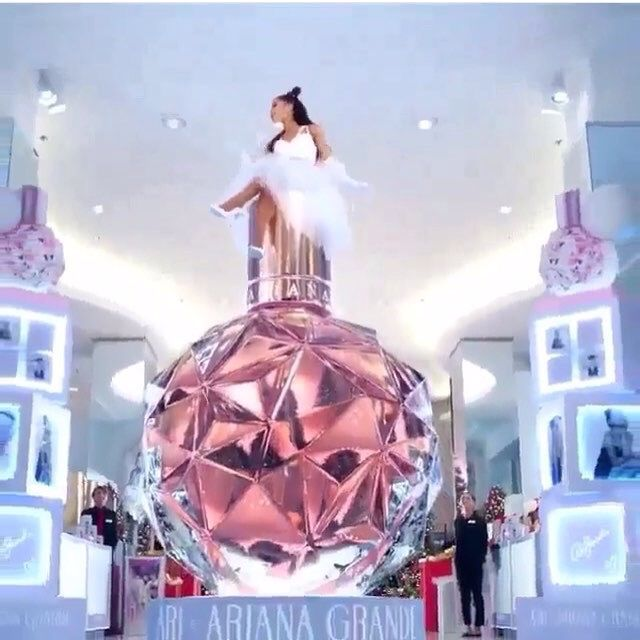 Image result for ariana grande new perfume 2017