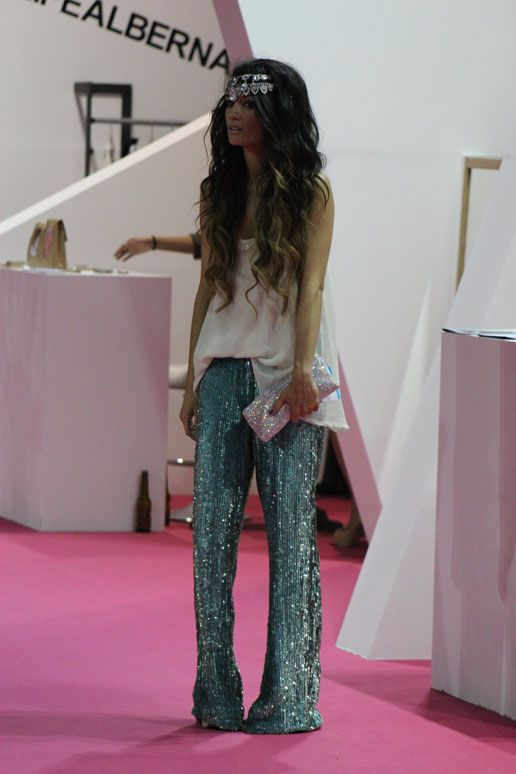 beyond obsessed w/ this look! aqua sequin pants and loose flowy ivory top | madamederosa