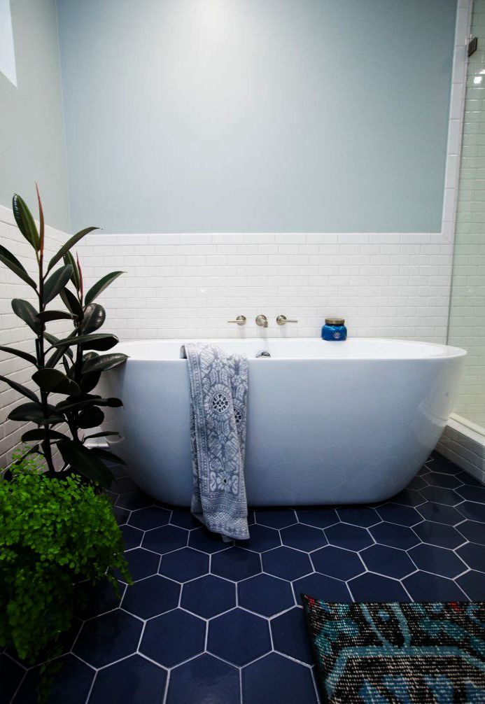 Carnation Home Fashions 5 Piece Plastic Bath Accessory Set Brown Master Bathroom Renovation Bathroom Style Bathroom Remodel Master