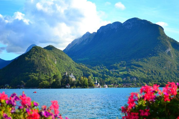 the village of talloires on the lake of annecy in haute savoie in the alps   - source http://contrairement.blogspot.fr/2011/12/talloires-sur-le-lac-dannecy.html