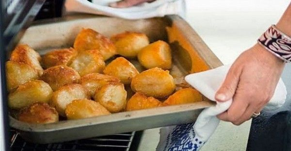 Πατάτες φούρνου τραγανές σαν τηγανιτές με ένα απλό κολπάκι!!