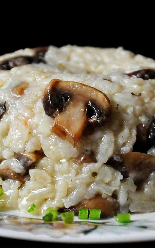Recipe for Flavorful and Healthy Brown Rice Mushroom Pilaf - I love this healthy brown rice pilaf, it's low-fat but doesn't skimp on flavor.