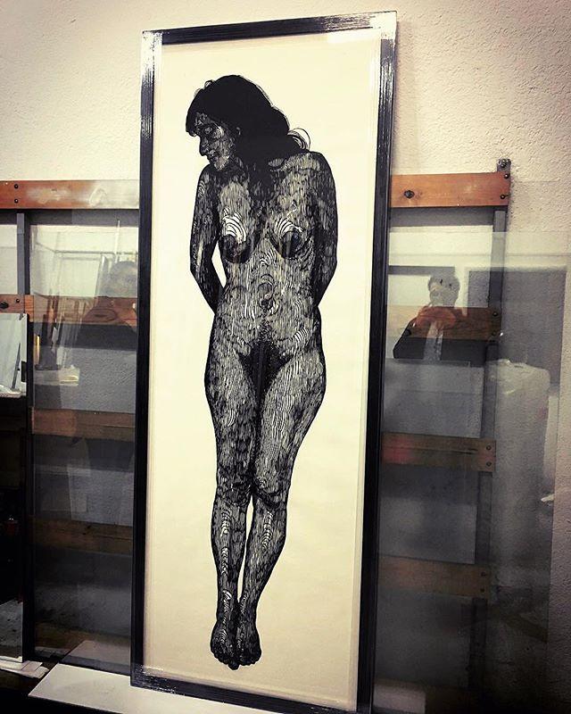 """Ana"" Relieve en MDF  200cm x 80cm Foto: @lalo_ph  #grafica #graficarapida #grabadomexicano #grabado #grabados #bigprint #megaprintmakers #nude #nude #nudes #portrait #graphic #graphics #graphicart #workselfie #oaxaca #oaxacacity #irvingherrera #print #printing #printmaking #oaxacaprintmaking #printart #galeria #workout #workday"