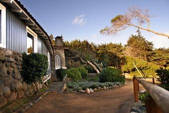 Jardim da casa de praia de Pablo Neruda em Isla Negra, Chile.