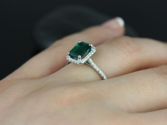 Esmeralda 8x6mm 14kt White Gold Rectangle Emerald by RosadosBox