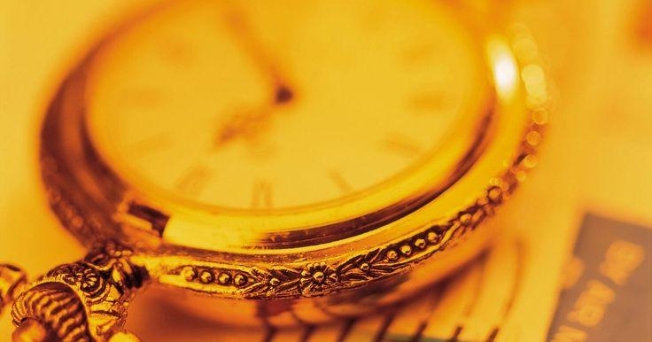 Como encontrar uma réplica barata de Rolex. Os relógios Rolex são uma declaração importante de moda e prestígio, mas como nem todos podem pagar por um genuíno, existem réplicas e imitações por todo o mercado de relógios. Algumas réplicas do Rolex são superiores em qualidade do que outras. Em 2011, uma réplica de alta qualidade pode custar cerca de R$ 1400. Mas, como em qualquer artigo de ...