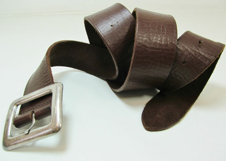 """Vintage brown thick leather belt with silver tone buckle size 32""""- 36"""" R11921"""
