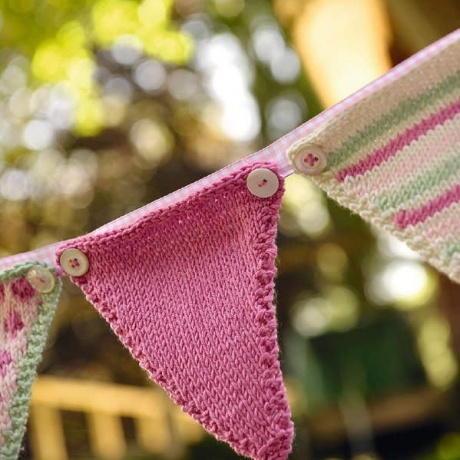 Knitted bunting | TheMakingSpot