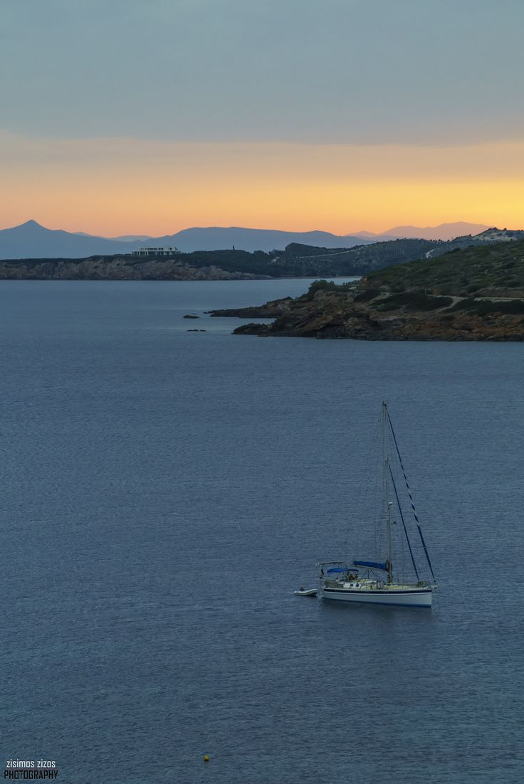 Sailing boat - Sailing boat at Sounio