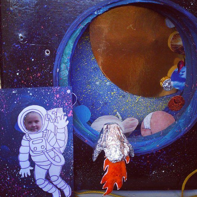provocative-planet-pics-please.tumblr.com Поделка называлась Я в обьятьях Вселенной. Делала в школу для дочки подруги :) Если кому надо что-то сотворить для своих а вы не можете - обращайтесь сторгуемся))) мне сам процесс нравится. Техника - обьемная открытка. На каждый слой по планете. #звёзды #космос #проект #планеты #космонавт #ракета #поделка #звезда #денькосмонавтики #солнечнаясистема #солнце #space #star #stars #art #collage #planets by uykka https://www.instagram.com/p/BETHah9Nm6D/
