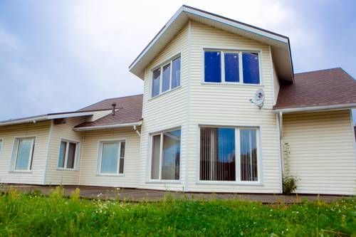 Cottage Finlandia Petrozavodsk Cottage Finlandia is a holiday home with a sauna, set in Petrozavodsk. It provides free private parking.  A dishwasher and an oven can be found in the kitchen. A flat-screen TV and DVD player are offered.