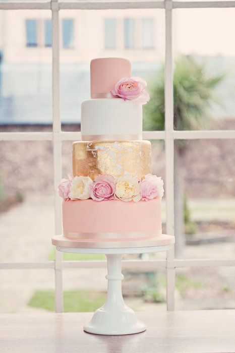 Love the simple beauty of this cake