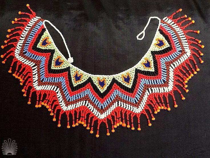 Precioso collar indígena