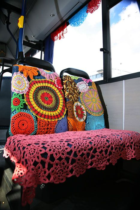 -: Buses, Bathroom Design, Golf Carts, Yarnbomb Bus, Seats Covers, Bathroom Ideas, Bus Seats, Yarns Bombs, Art Projects