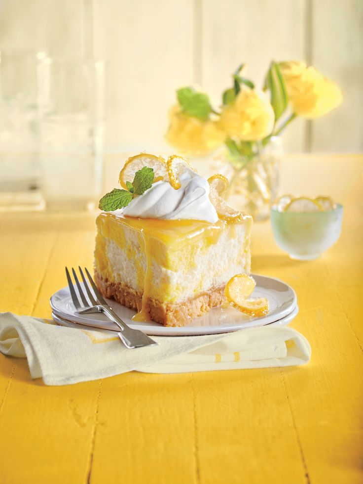 A water bath cooks the cheesecake gently, making it extra creamy with a smooth, crack-free top. You can make the lemon curd up to two weeks in advance; just be sure to store it in the refrigerator. Dreamy Lemon Cheesecake - Southern Living