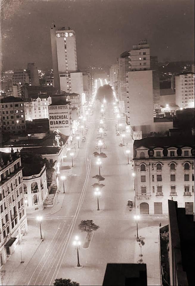 1950 - Avenida Ipiranga próxima a Rua da Consolação.