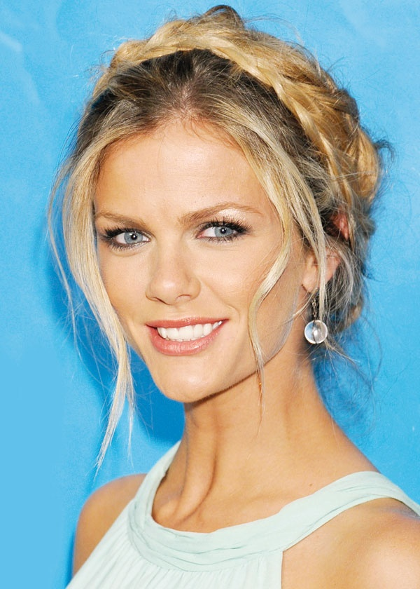 Le bandeau tressé de Brooklyn Decker / Brooklyn Decker's braided headband