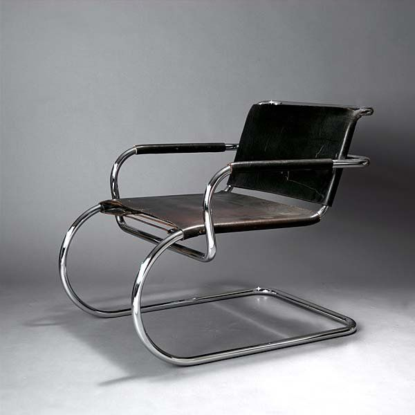 Franco Albini; Chromed Steel and Leather Cantilevered Art Deco Armchair, 1933.