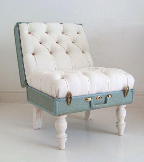 kuffert, indretning, design, boligekspert Malene Møller Hansen, interiåor, bolig, styling, indretningskonsulent, boligcious, brugskunst, møbler, stol, lænestol, vintage, gammel, the-suitcase-chair-white-samsonite