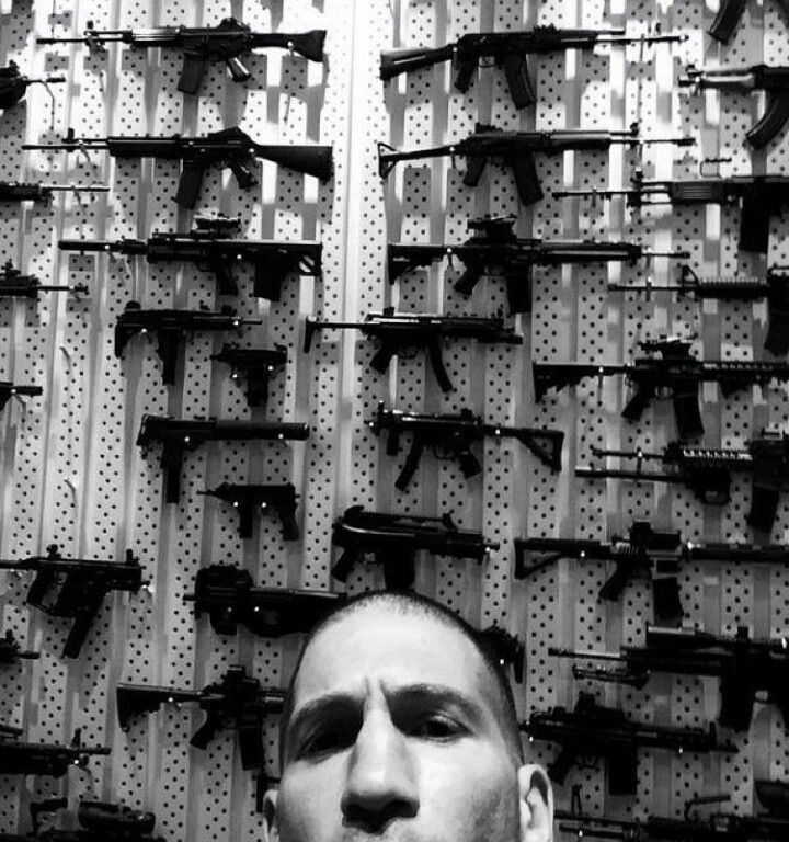 Jon Bernthal shows his Punisher armory from Daredevil Netflix series 2