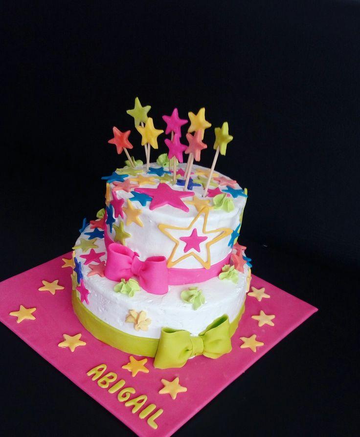 Torta decorada con merengue Italiano y detalles de fondant