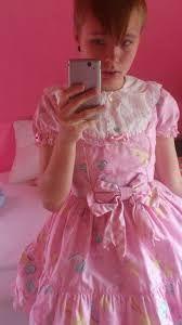 Resultado de imagen para pretty boys in dresses