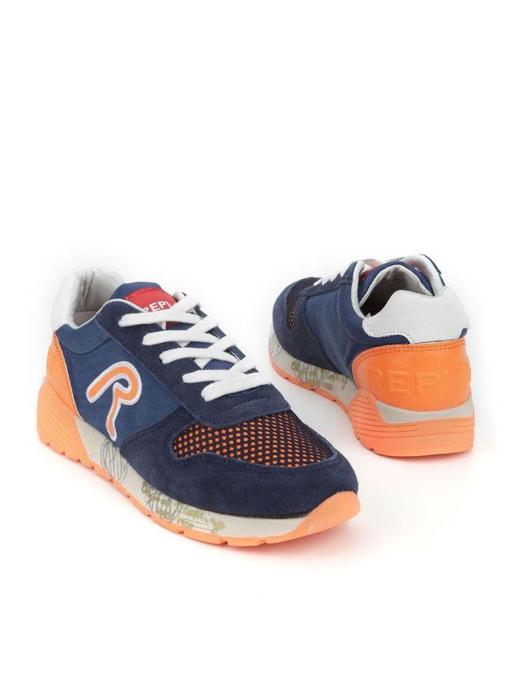 Replay York sneaker  Description: Replay York sneakers in het blauw met oranje details. Deze jongensschoenen hebben een bovenwerk gemaakt van een combinatie van leer en textiel. De schoenen hebben een kunststof zool.  Price: 62.99  Meer informatie