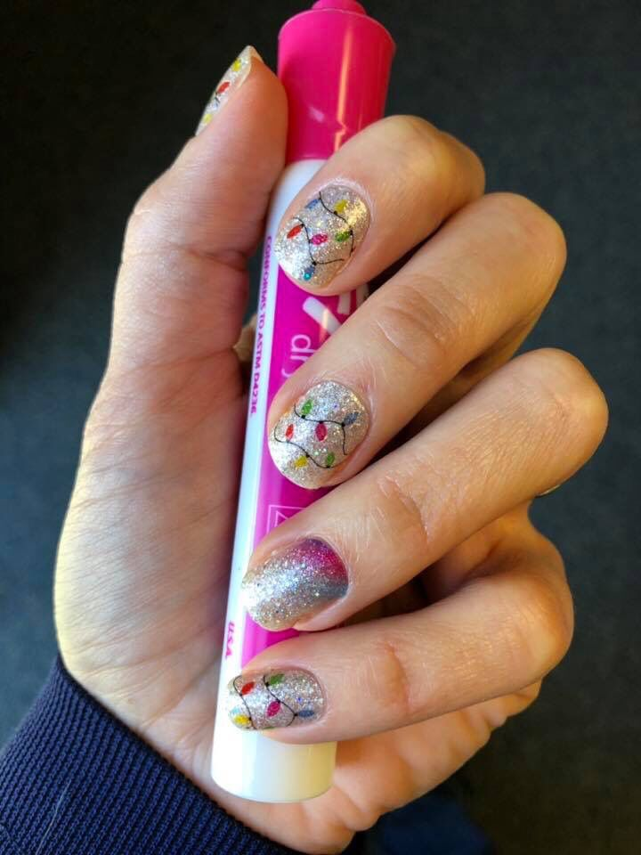 Color Street Shes Lit Christmas 2020 Nail Strips Cute Christmas Nails! | Color street nails, Color street, Cute