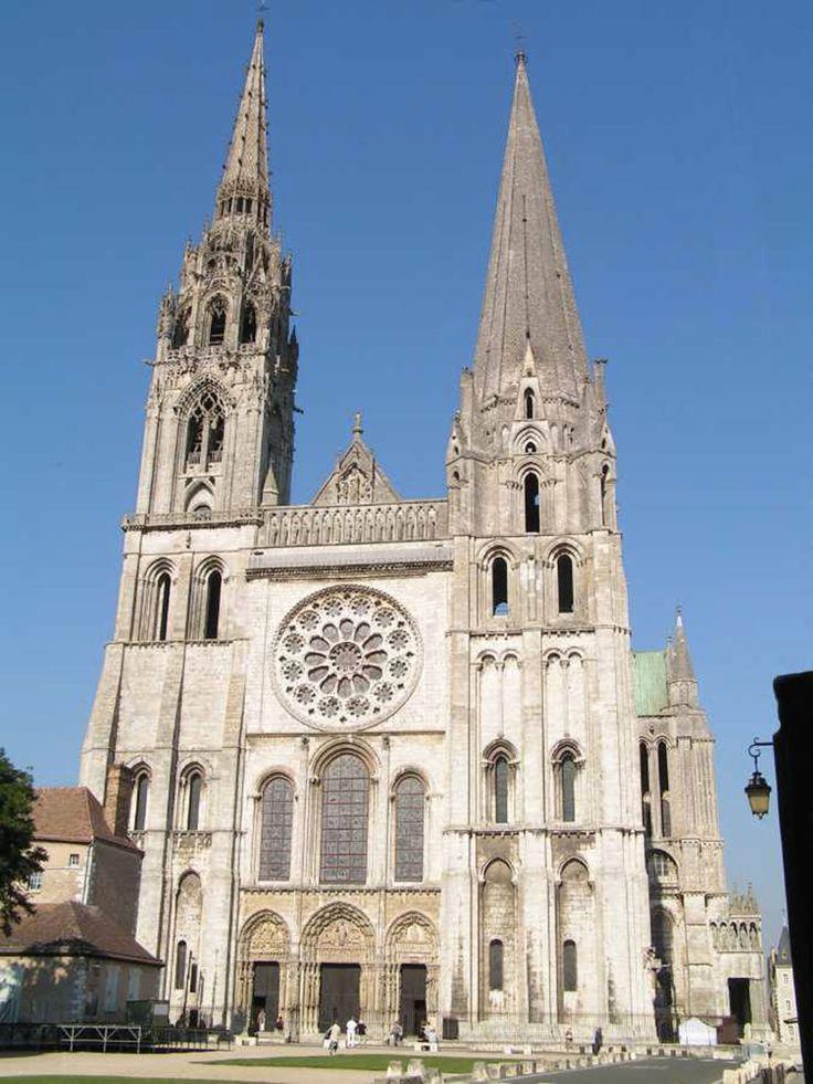 Cathédrale Notre-Dame de Chartres, début des travaux 1194 - fin des travaux 1220, Chartres en Centre-Val de Loire