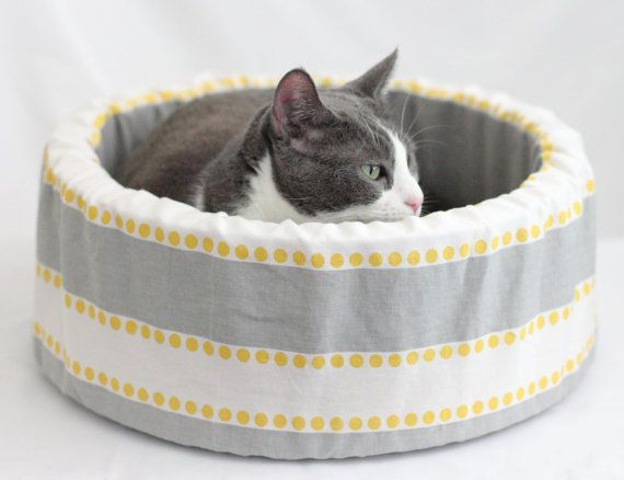 Round Cat Bed 14 Self Warming Modern Cat Bed in by spenserpets, $49.00
