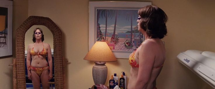 Jamie-Lee-Curtis-sexy-in-bikini-from-Christmas-with-the-Kranks ...