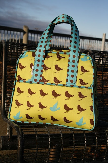 Great instructions for making Amy Butler's weekender bag from Amelia Handmade