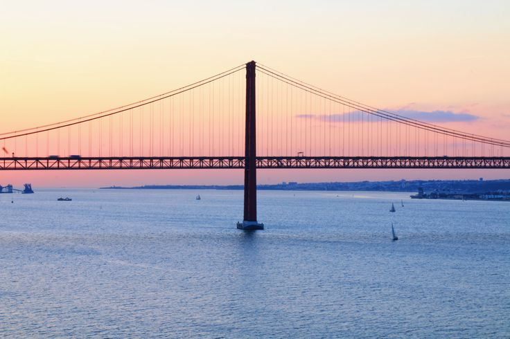Ponte 25 de Abril 2017  #ig_masters #ig_masterpiece #ig_mastershots  #rsa_minimal #paradiseofminimal #visual_square #visualambassadors #brake_frames #bomregisto #shootermag_portugal #rsa_vsco #brakethesquare #vsco #vscocam #vscogram #vscogood #vscogrid #vsco_hub #vsco_pt #vsco_portugal #igers #igerslx #igersportugal #ig_pt #takeoverinspiration #majesticsquares #olhoportugues #espalhafotos #gerador #p3top
