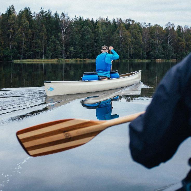 Calm waters canoeing @pablofilms X @stromforsoutdoor workshop in September. #stromforsoutdoor #theoutdoorfactory #canoeing #kymitheriver #outdoorlife #welhonpesä