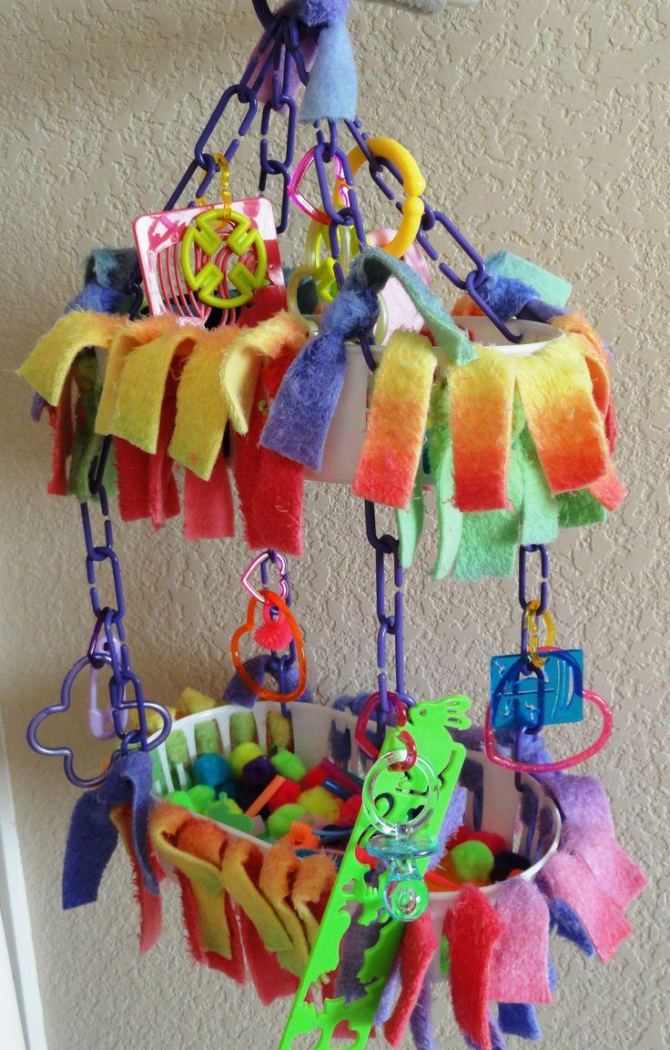 zelf speelgoed maken voor papegaai