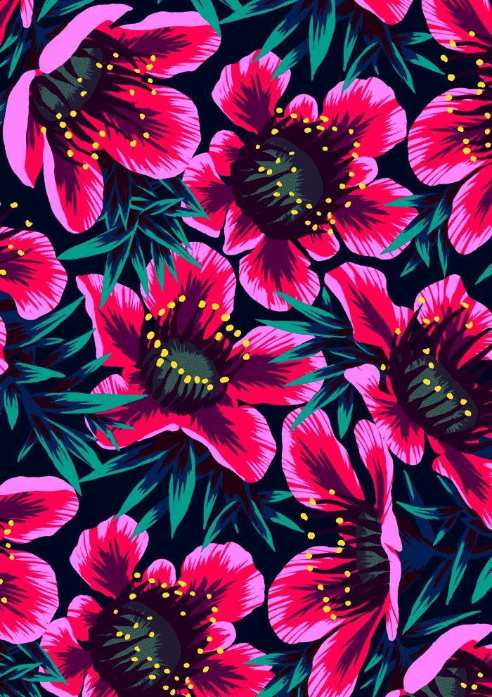 Manuka dark floral pattern by Andrea Stark Papel de