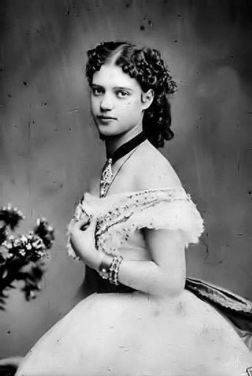 lost-fairytale-empire:  Empress Maria Feodorovna of Russia