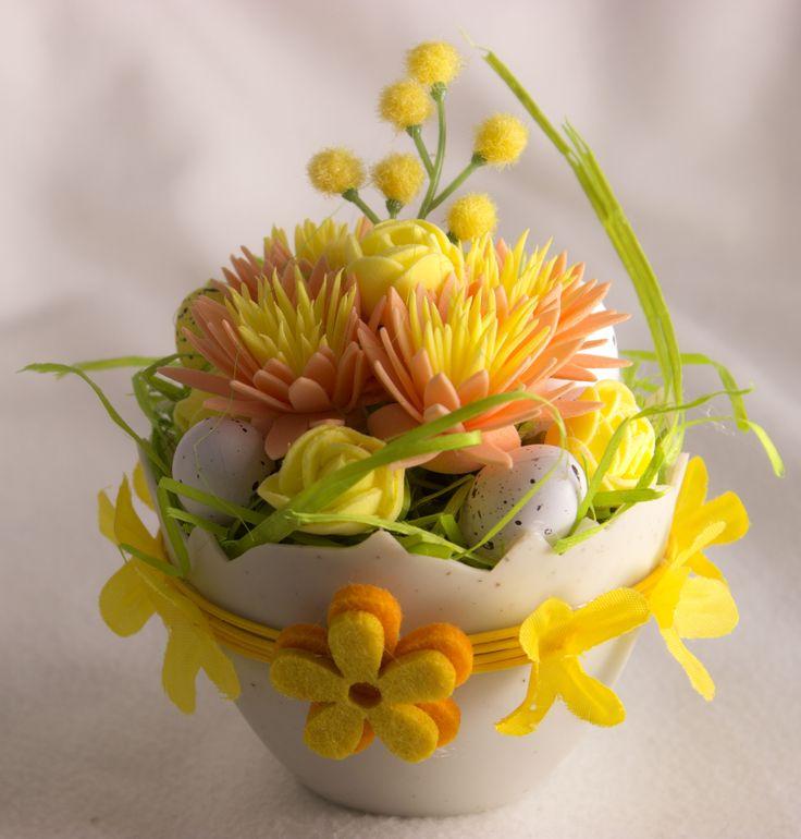 Húsvéti tojás virágokkal